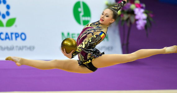 In acest weekend are loc Campionatul National de Junioare si Senioare la gimnastica ritmica